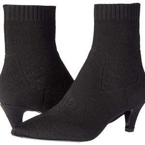 Women's black fashion boots